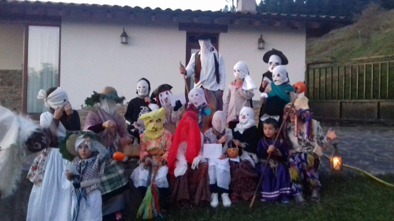 Eibarko umiak Halloweenen