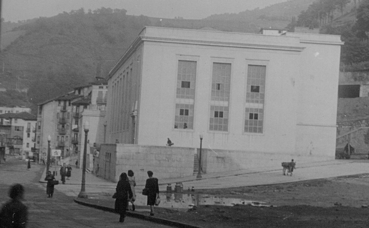 Maria Angela kaleko merkatu plaza, Eibar (1950)